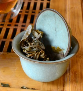 puerh tea leaves