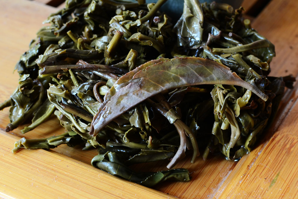 Yiwu purple puer tea leaves